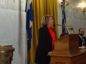 Η υπουργός κ. Σοφία Βούλτεψη στο βήμα